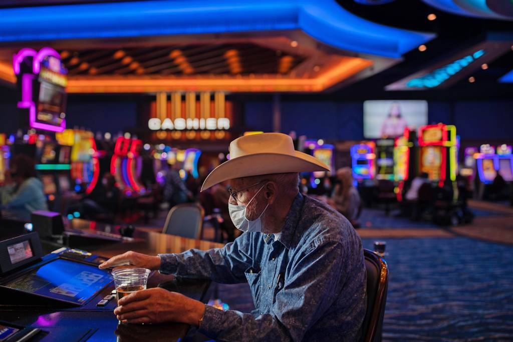 Online Casino Maintain It Easy And Also Dumb